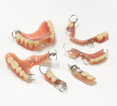 保険対象外の入れ歯